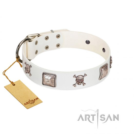 """Pirate Sloop"" Handmade FDT Artisan Designer White Leather Doberman Collar with Crossbones"