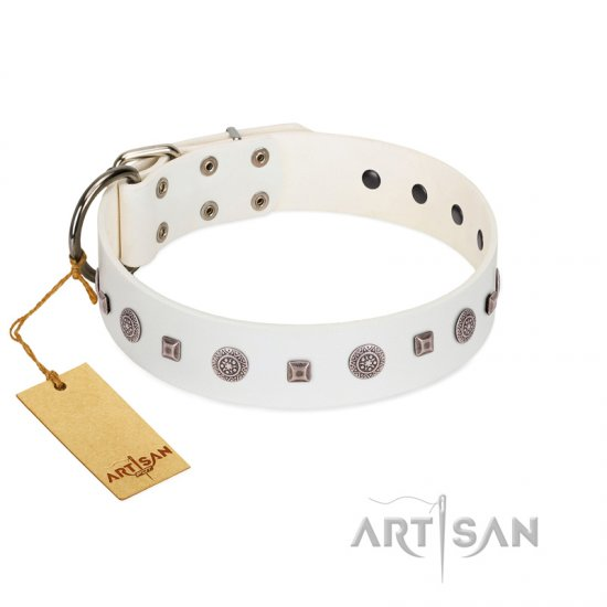 """Drops on Snow"" Handmade FDT Artisan White Leather Doberman Collar Adorned with Silver-Like Studs"