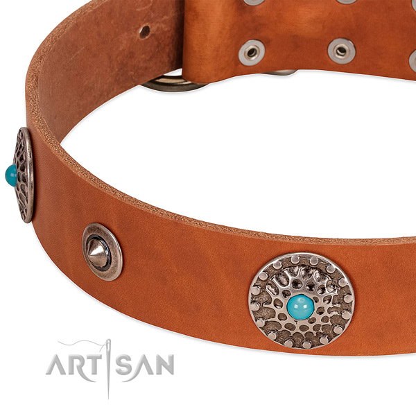 Handy use high quality natural leather dog collar with decorations