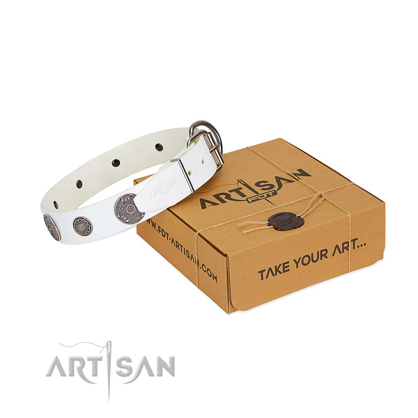 Comfortable dog collar of natural leather