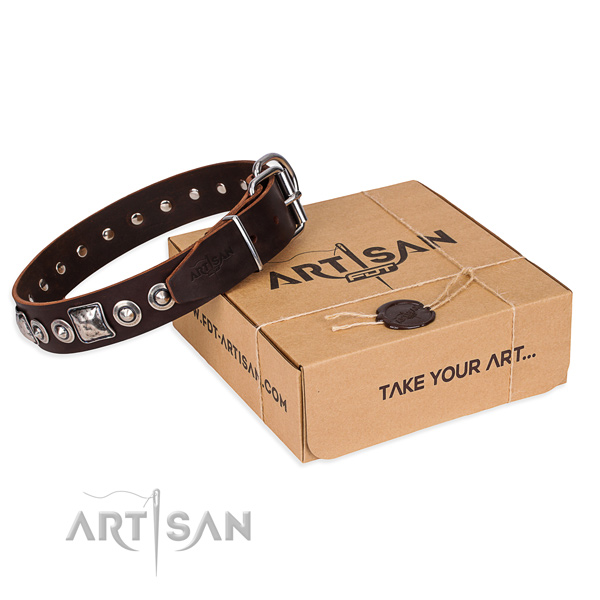 Best quality natural genuine leather dog collar for walking in style